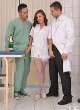 Slutty nurse parts legs in white stockings and gets DPed by two horny docs
