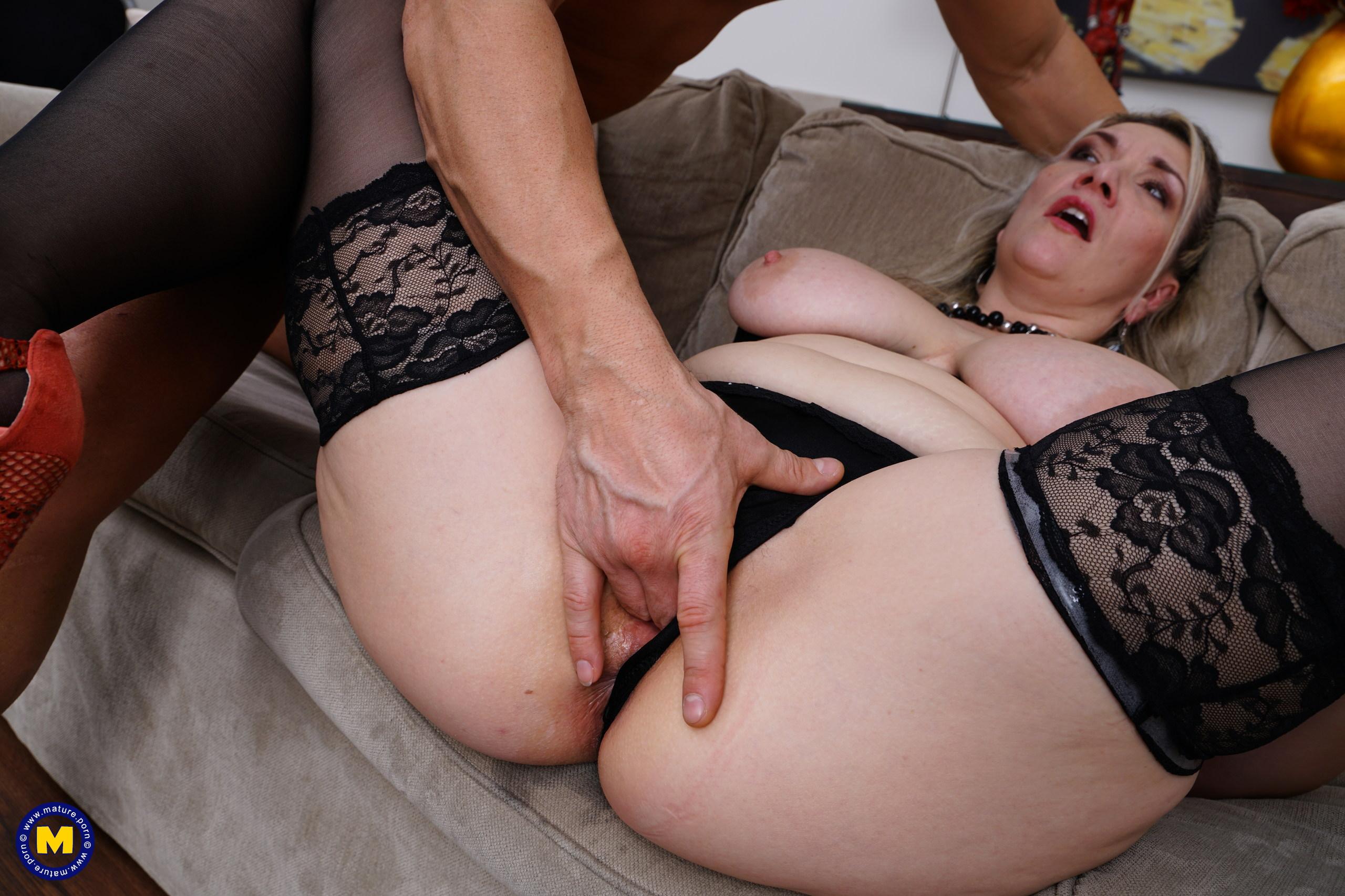 Chubby Huge Tits Creampie