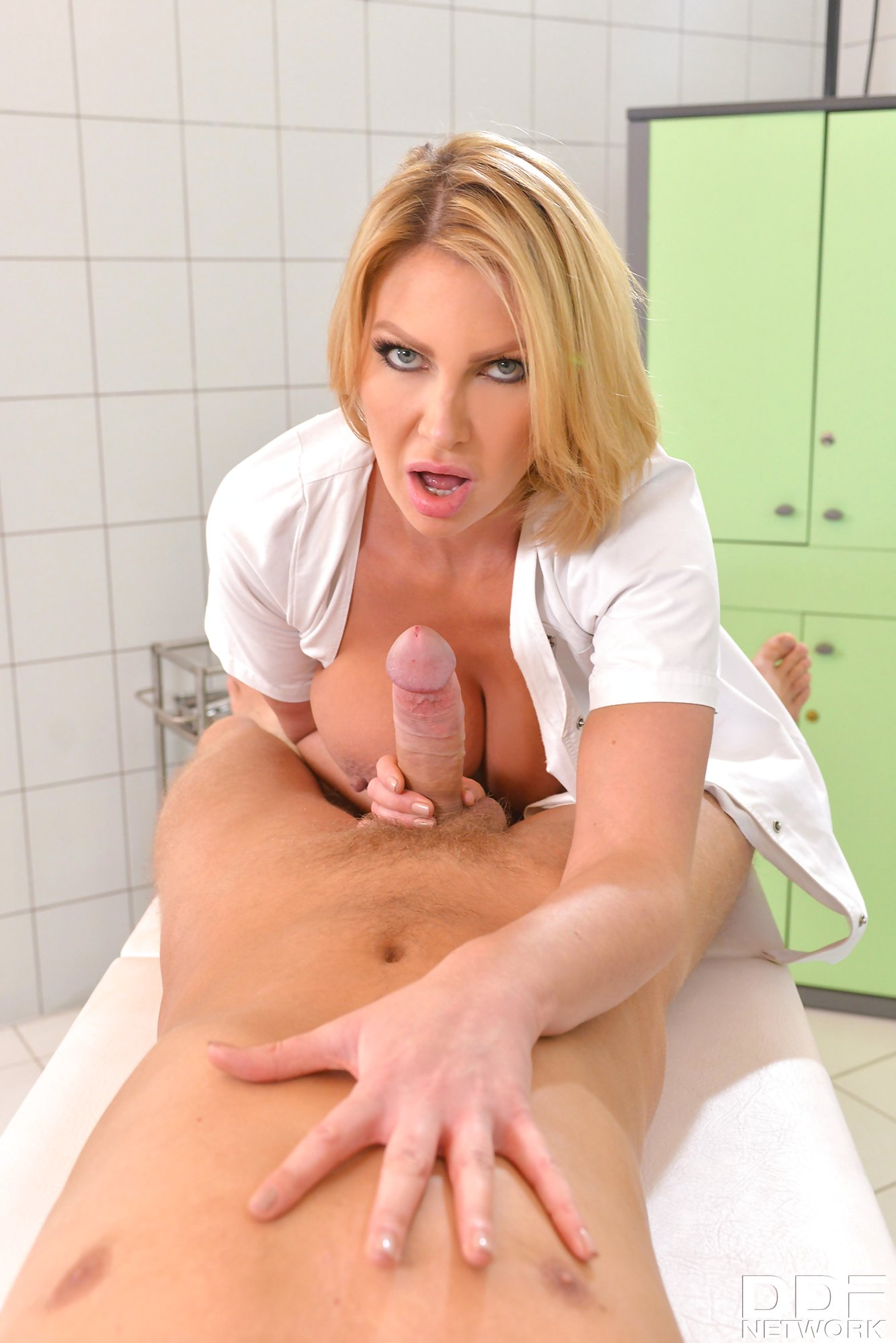 Super-Stacked Uk Nurse Leigh Darby Offers Her Patient Sex -7713