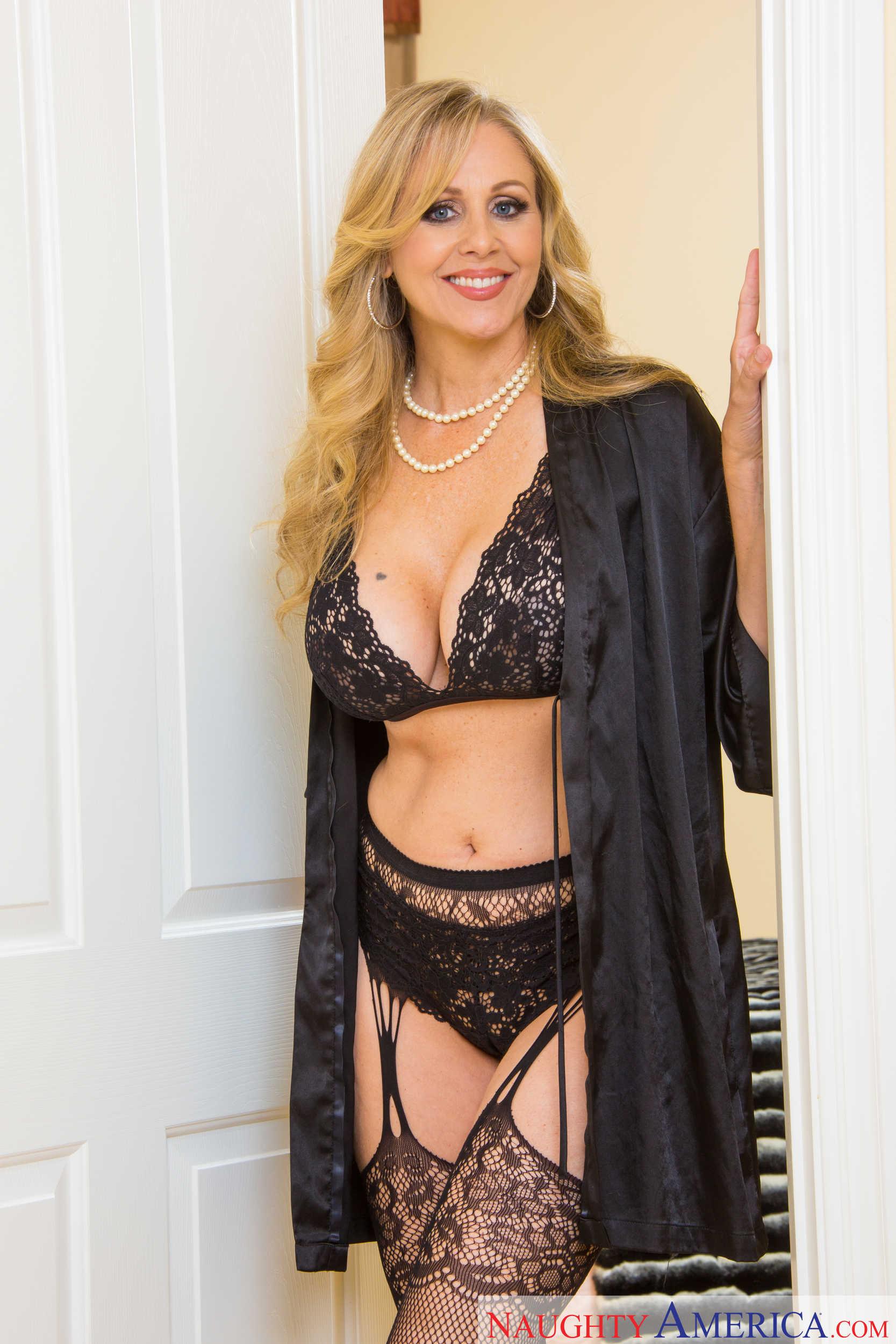 busty porn diva julia ann puts on her best black lingerie, net