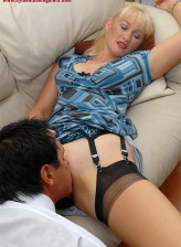 British blonde milf Suzy Wilde in full-fashioned RHT stockings fucked after leg sex