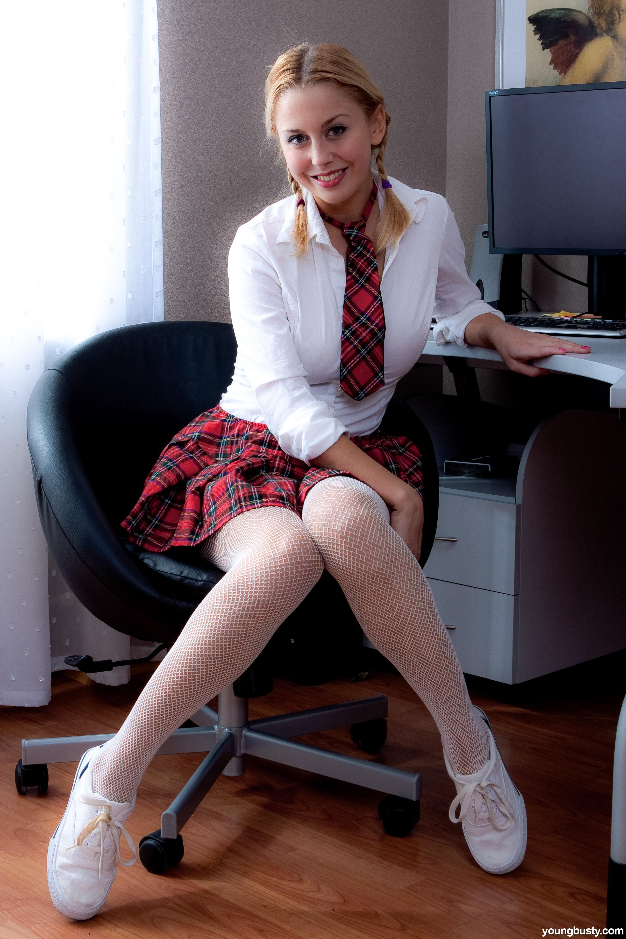 Milano lesbian pantyhose legs pigtails