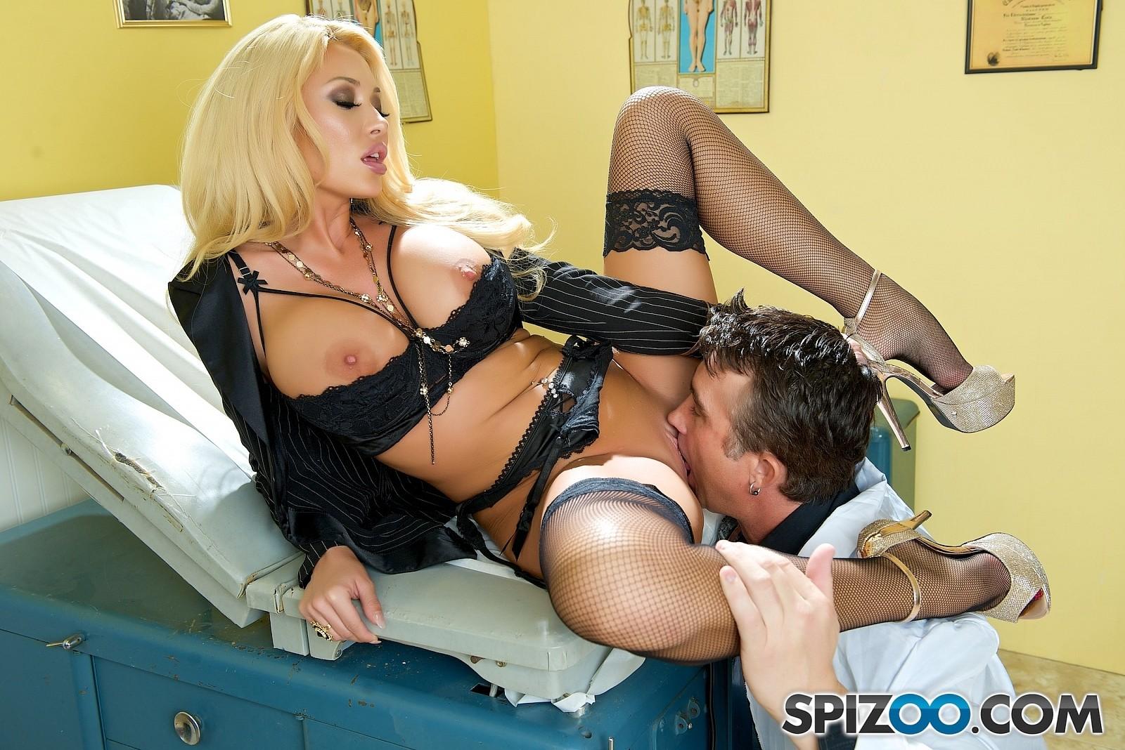 zhenskoe-dominirovanie-seks-foto
