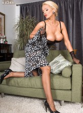 Blonde vintage bombshell masturbates in gloves and FF stockings