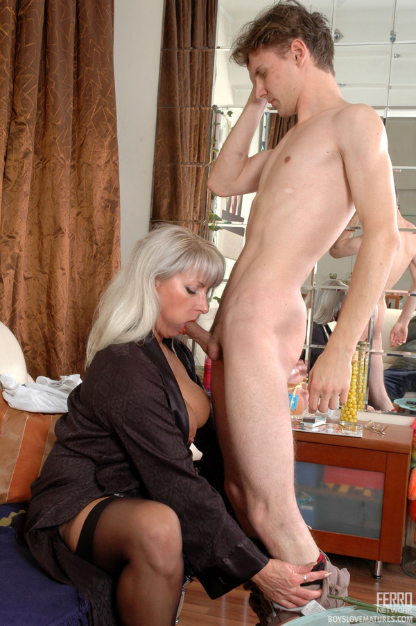 Hairy mature woman seduces younger guy and gets boned hard