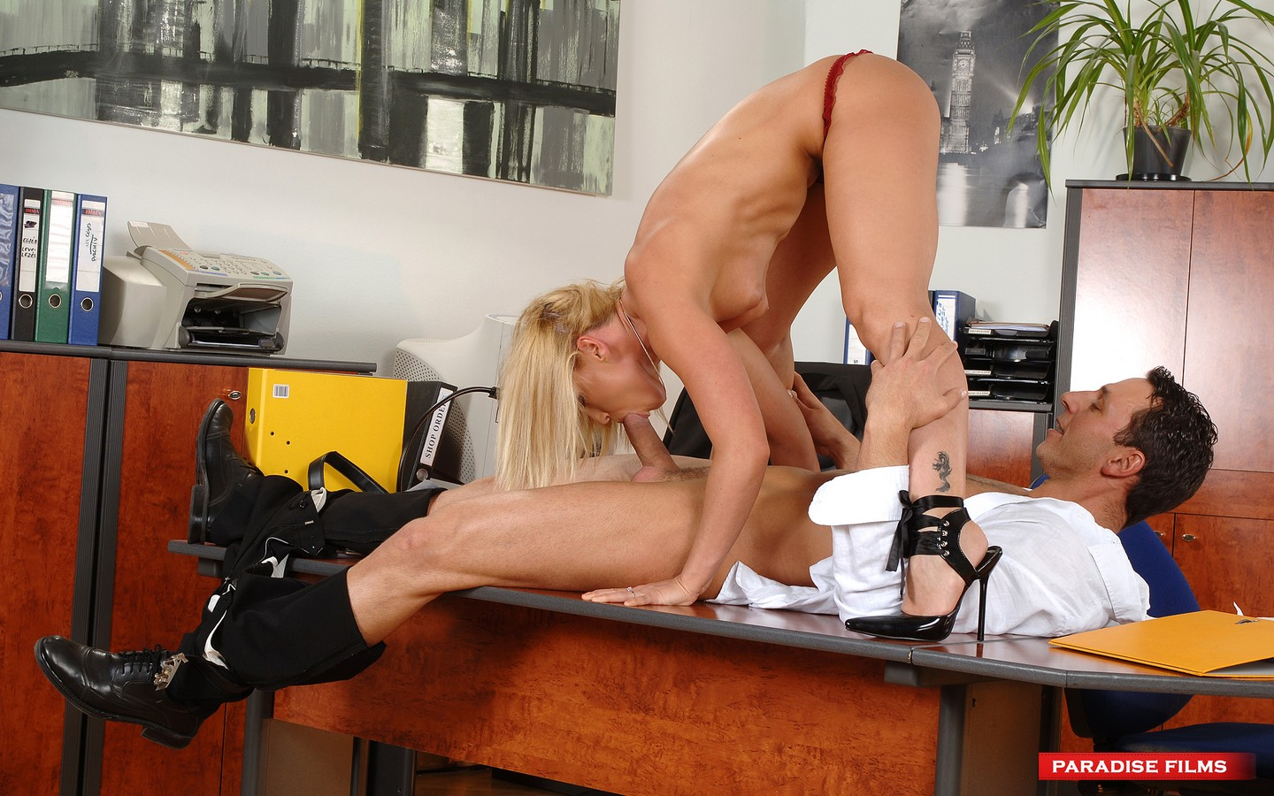 Pure xxx films blonde busty babe victoria summers - 1 part 4