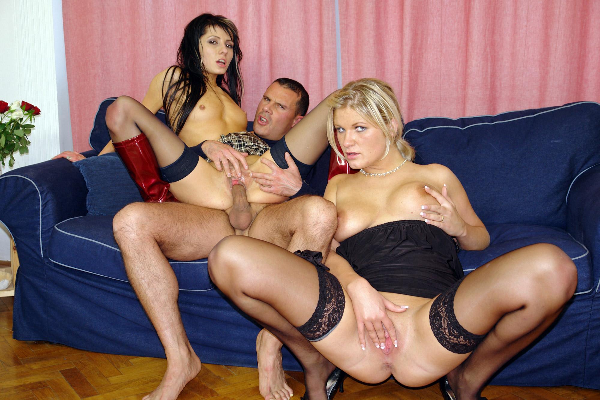 Смотреть порно тещи и ее подруги 3 фотография