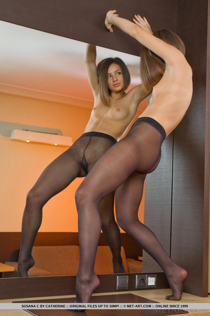 Sex Nude Pantyhose Girls Gif