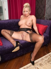British milf Taylor Morgan in vintage tan FF stockings and pointy pumps