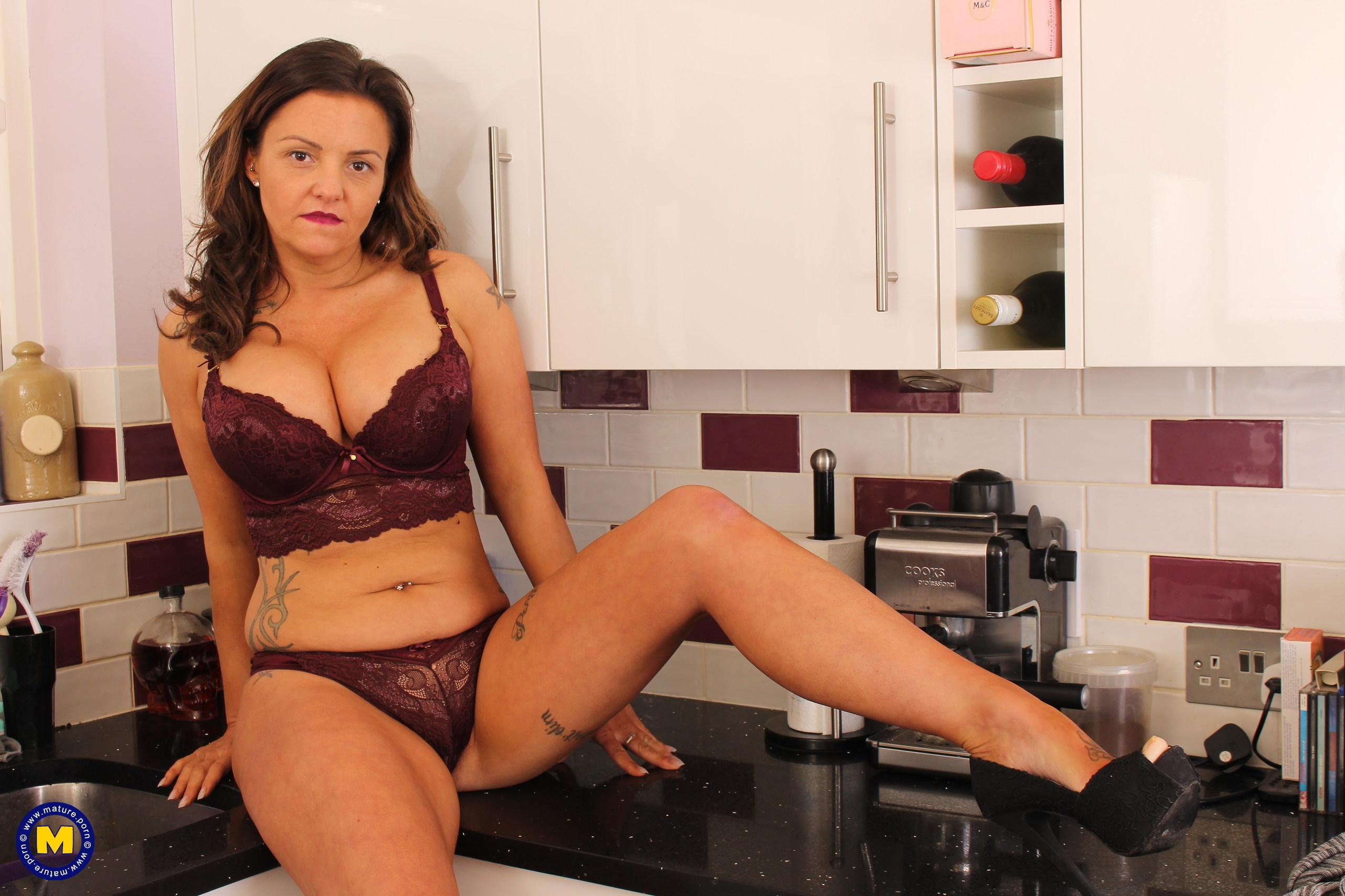 Sienna hudson hot milf sex addict