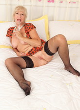 British mature Emily Jane toying her pussy
