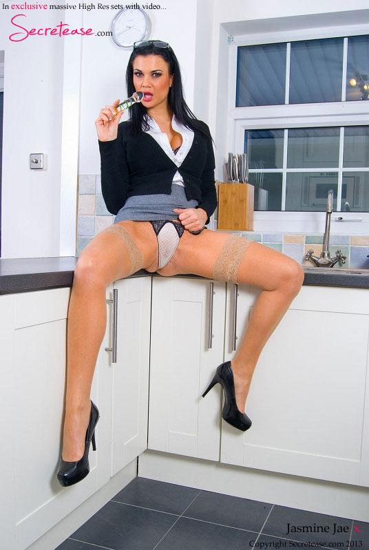 Female masturbation tehcnique