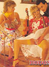 Retro babes in bright nylons leave music instruments for a 3sum
