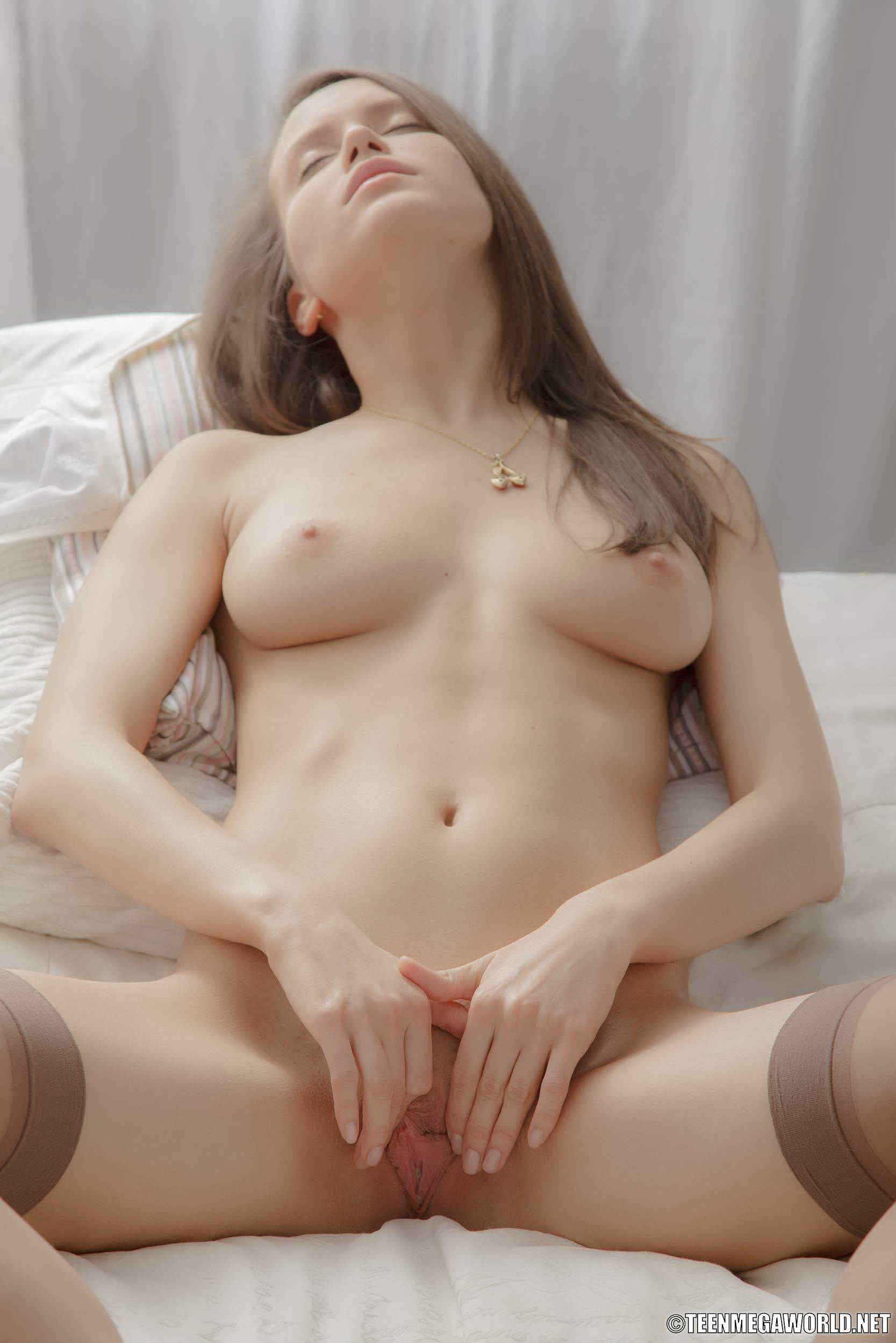 Naked Images G spot orgy
