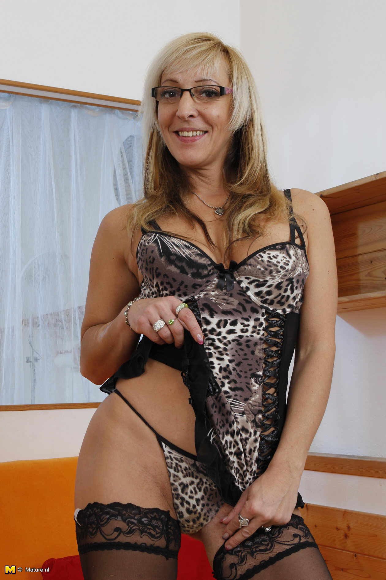Mature In Specs Goes Hardcore In Her Showy Lingerie And -8155