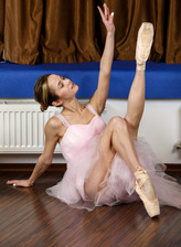 Slender ballerina Agata Berezka shows her amazing flexibility in a nude dance