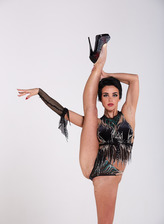 Gorgeous Liza Raykina strips her glove, teddy & heels for flexy nude gymnastics