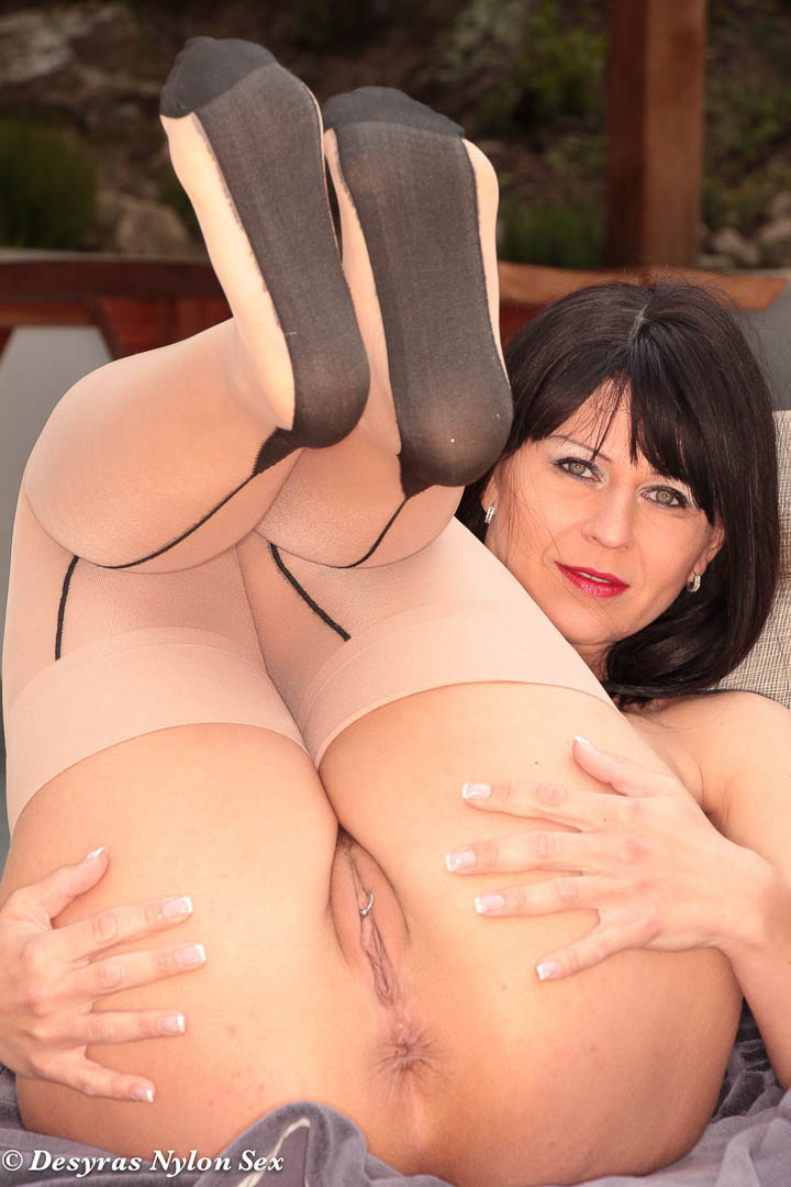 real pantyhose sex between