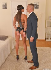 French sub Cassie Del Isla parts high-heeled legs for spanking, a big toy & anal