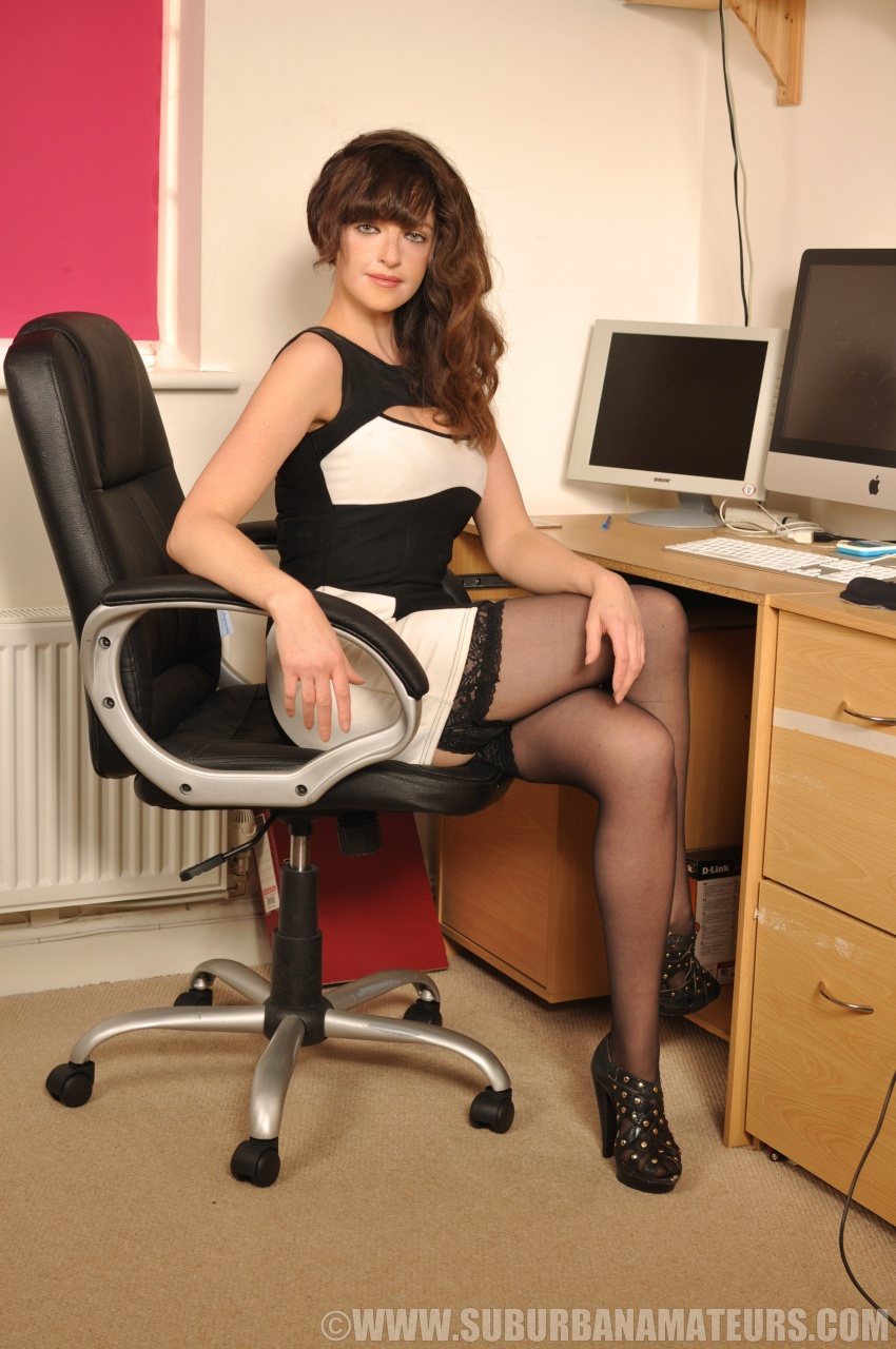 british office babe kate anne flashes her hair pie stripping to her
