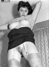 Black-n-white images with hot retro hussies flashing in stockings