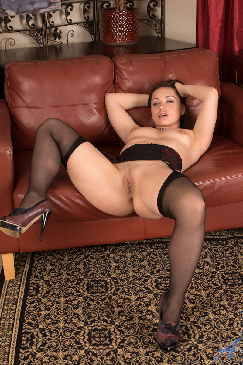 Big Booty Mommy Olga Cabaeva Spreads Her Soft Trimmed -8988