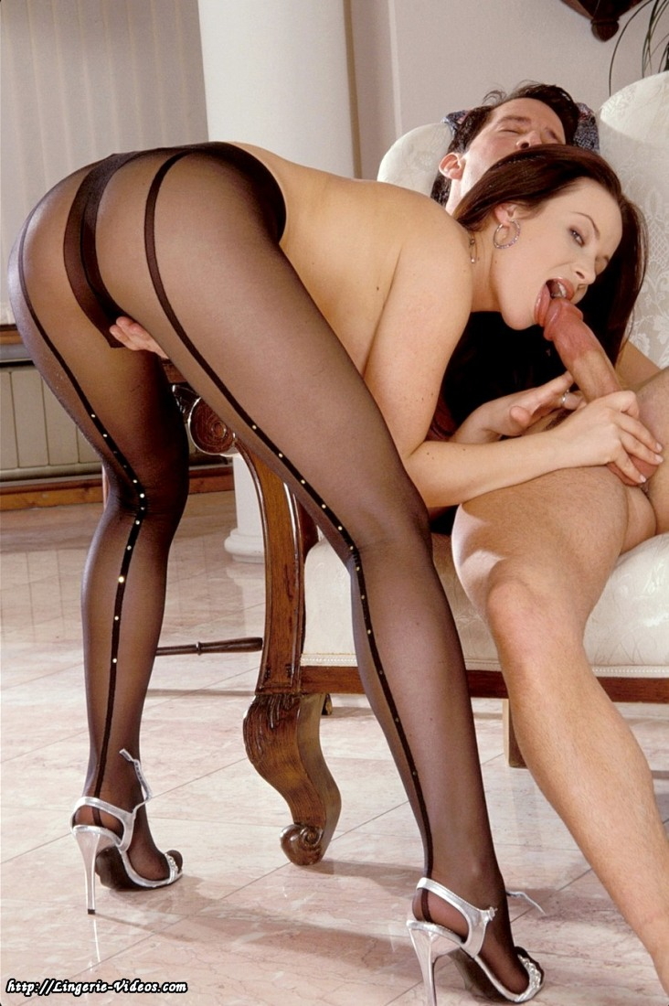 Legs in seamed pantyhose galleries