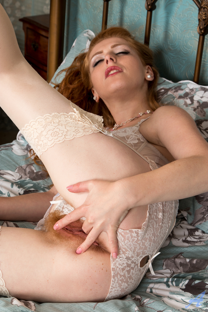 Sara fingered fucked and fisted from bigg appleman - 3 part 1
