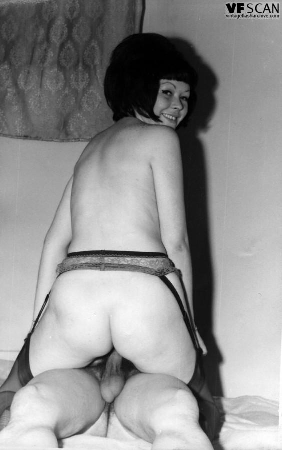 Italian milf flash her tits on instagram - 3 part 7
