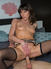 Sultry brunette milf Vera King aka Lexi Foxy in black stockings services a real guy for cash
