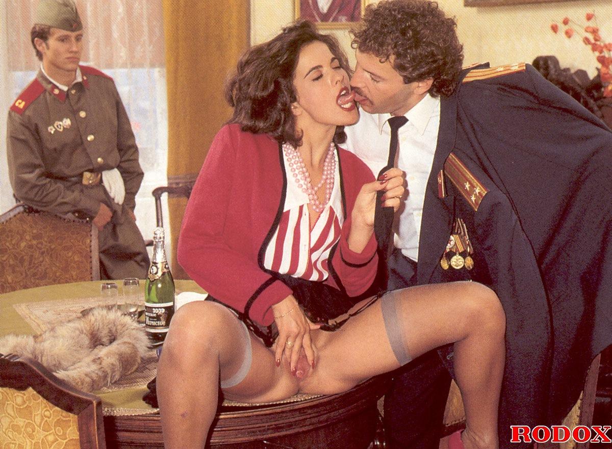 Порно мать итальянские фильмы муж военный
