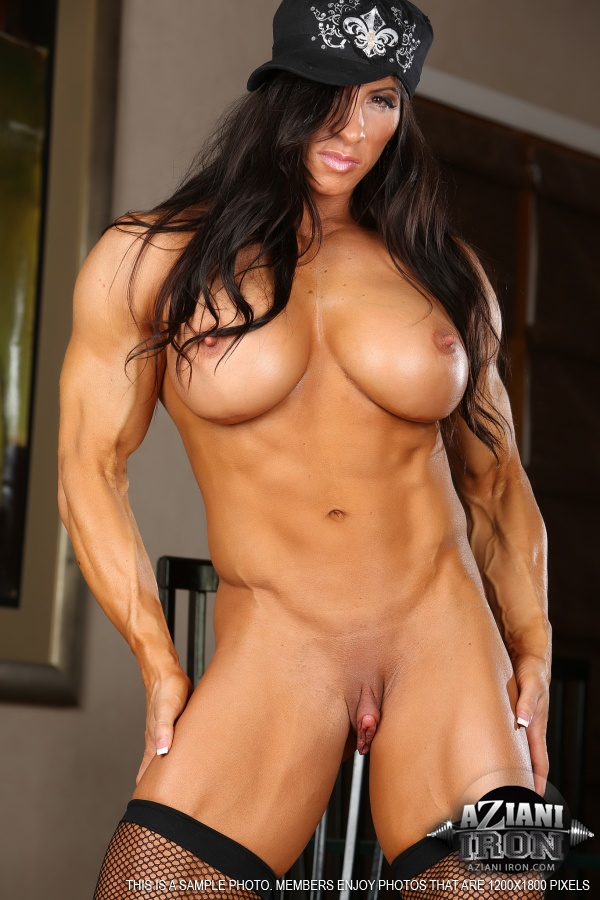 hot bodybuilder girls topless