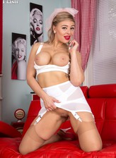 Buxom UK waitress Beth Bennett boasts her long-line vintage girdle, classy bra and tan FF stockings