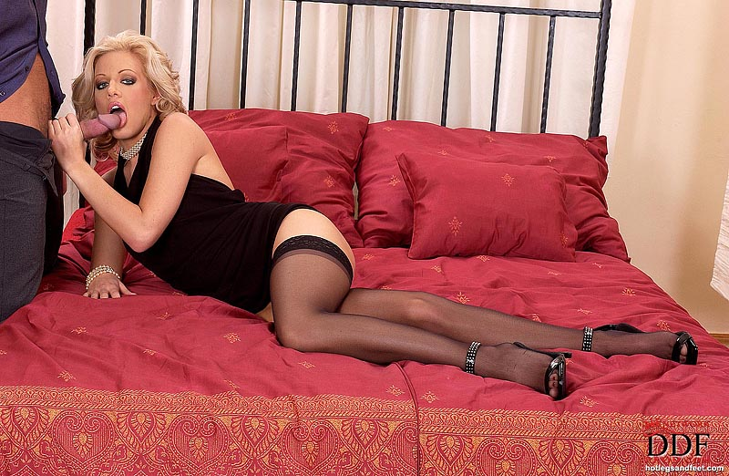 Xxx pantyhose house sex vibe fun russian