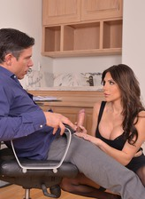 Hot bombshell Jaclyn Taylor gets fucked by husband