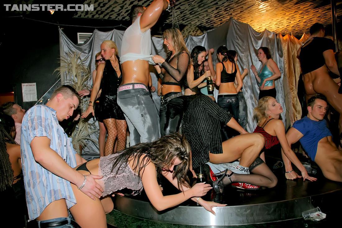 Fucking drunken bar orgy the