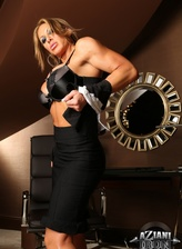 Muscled secretary Farrah Foxxx strips black lingerie and spreads her strong legs