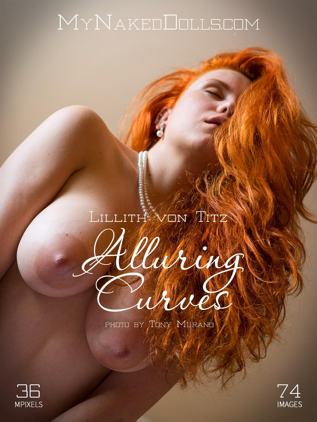 Spanish milf musa libertina stuffs her shaven pussy 7
