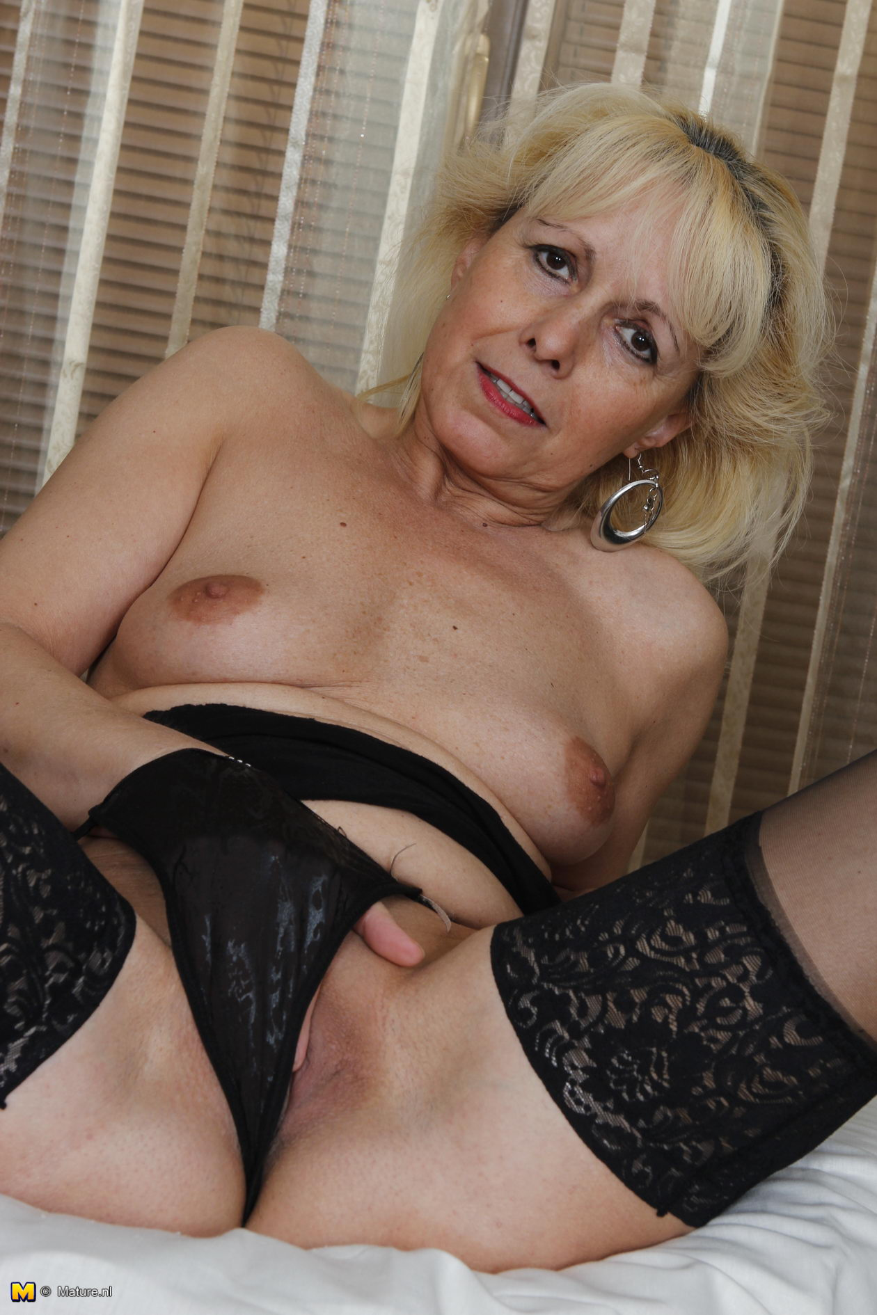 Absolutely mature granny lingerie fucking