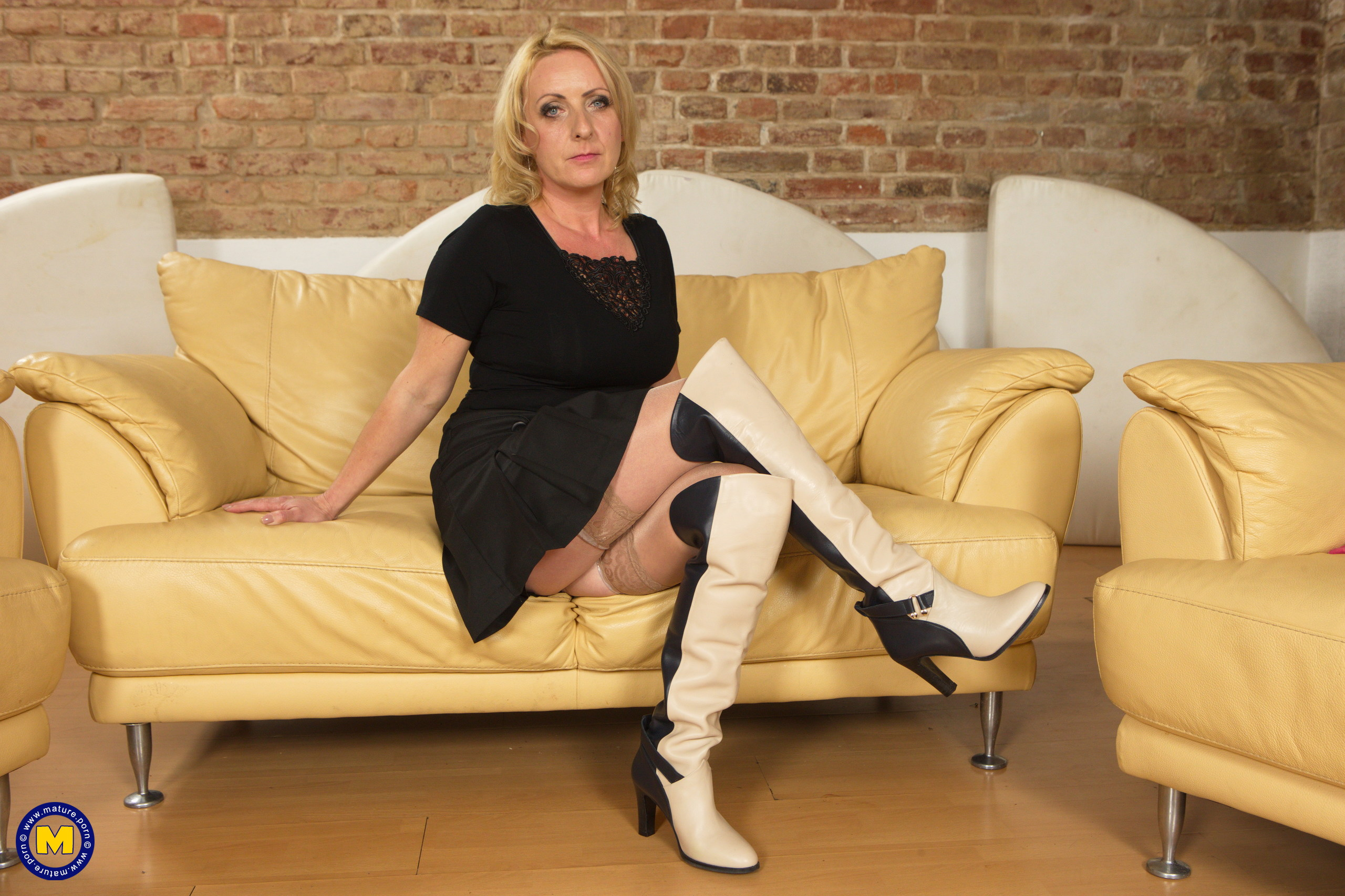 Mature housewives movies