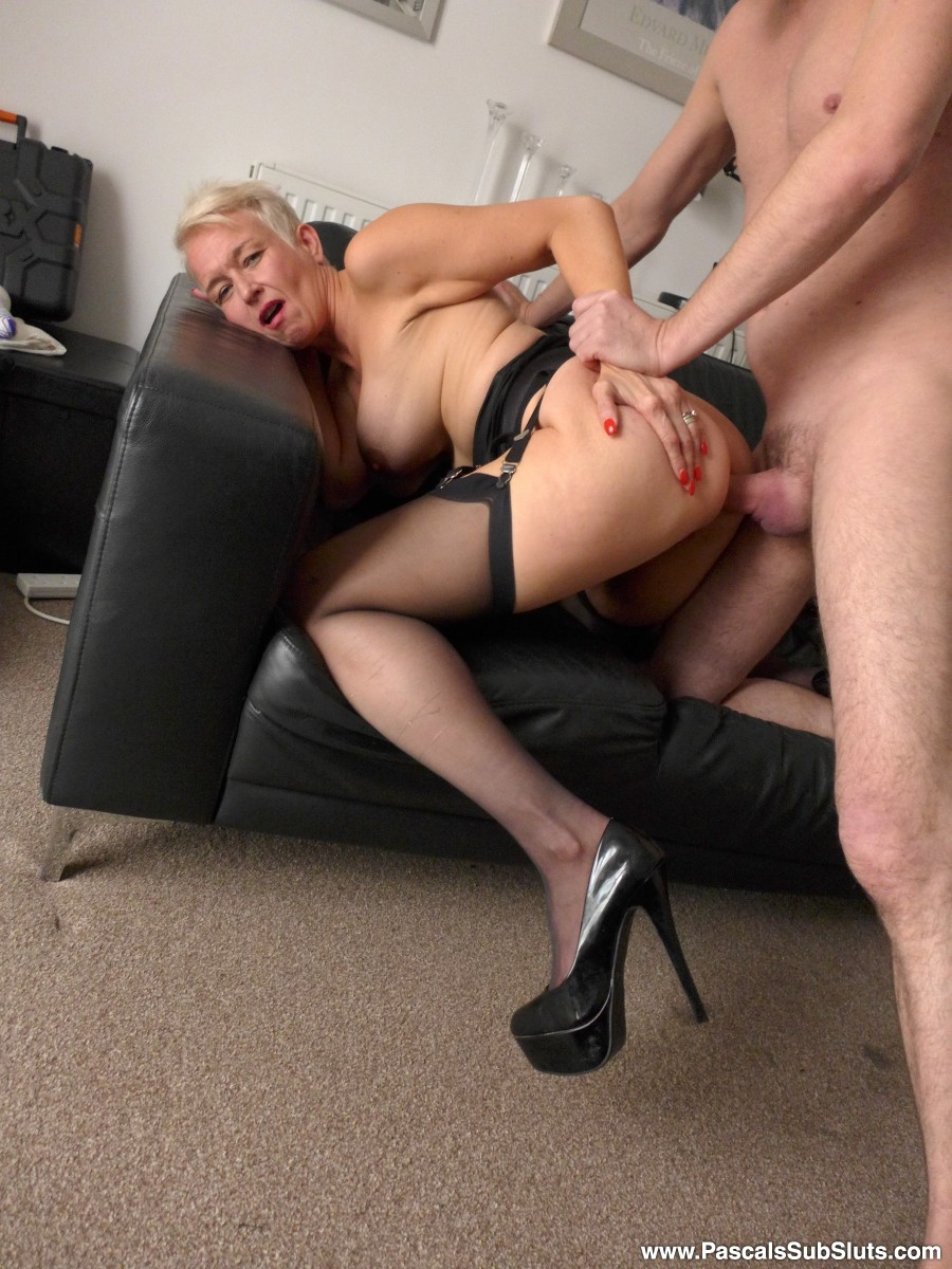 Dirty whore spreads her legs for many toys to tease her pussy 3