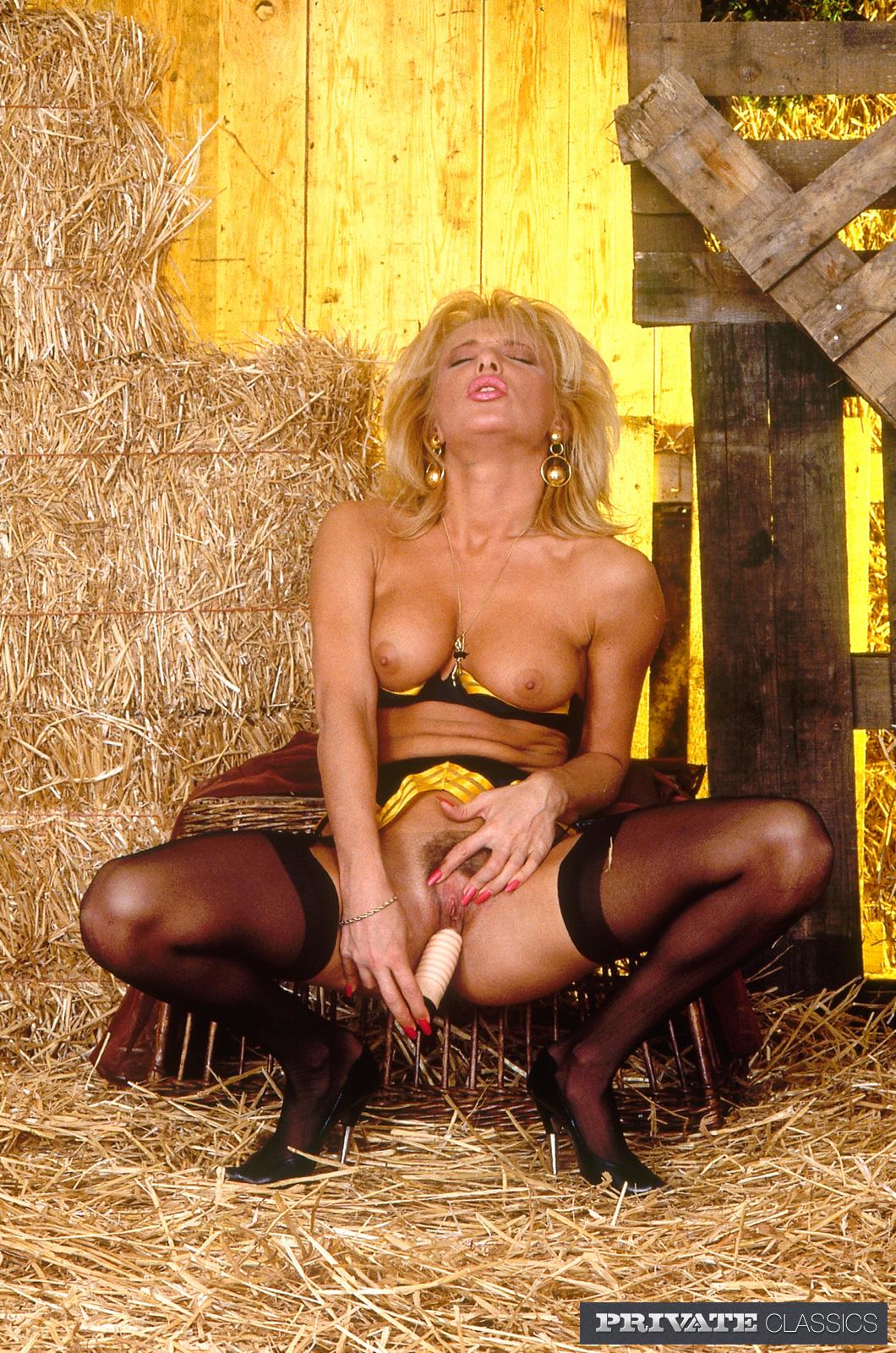 Vintage Porn Blonde In Gold-Trimmed Lingerie And Black -8243