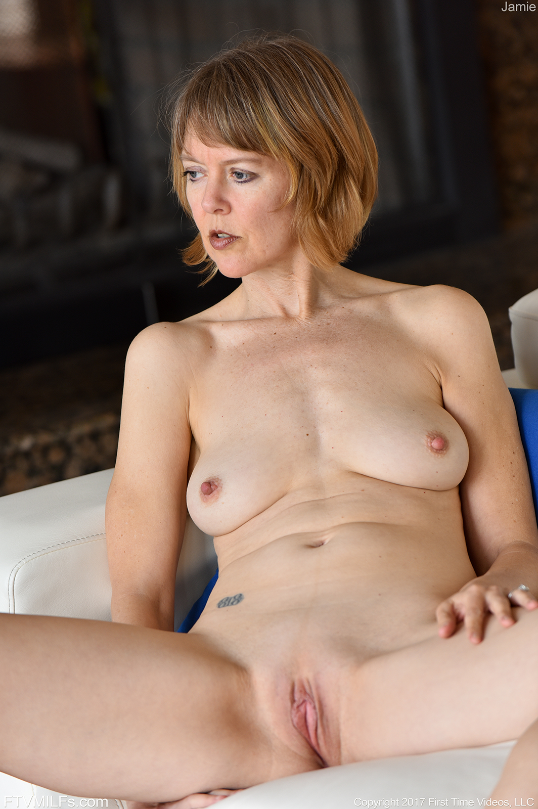 50 plus skinny milf doctor makes 11 inch house call 8