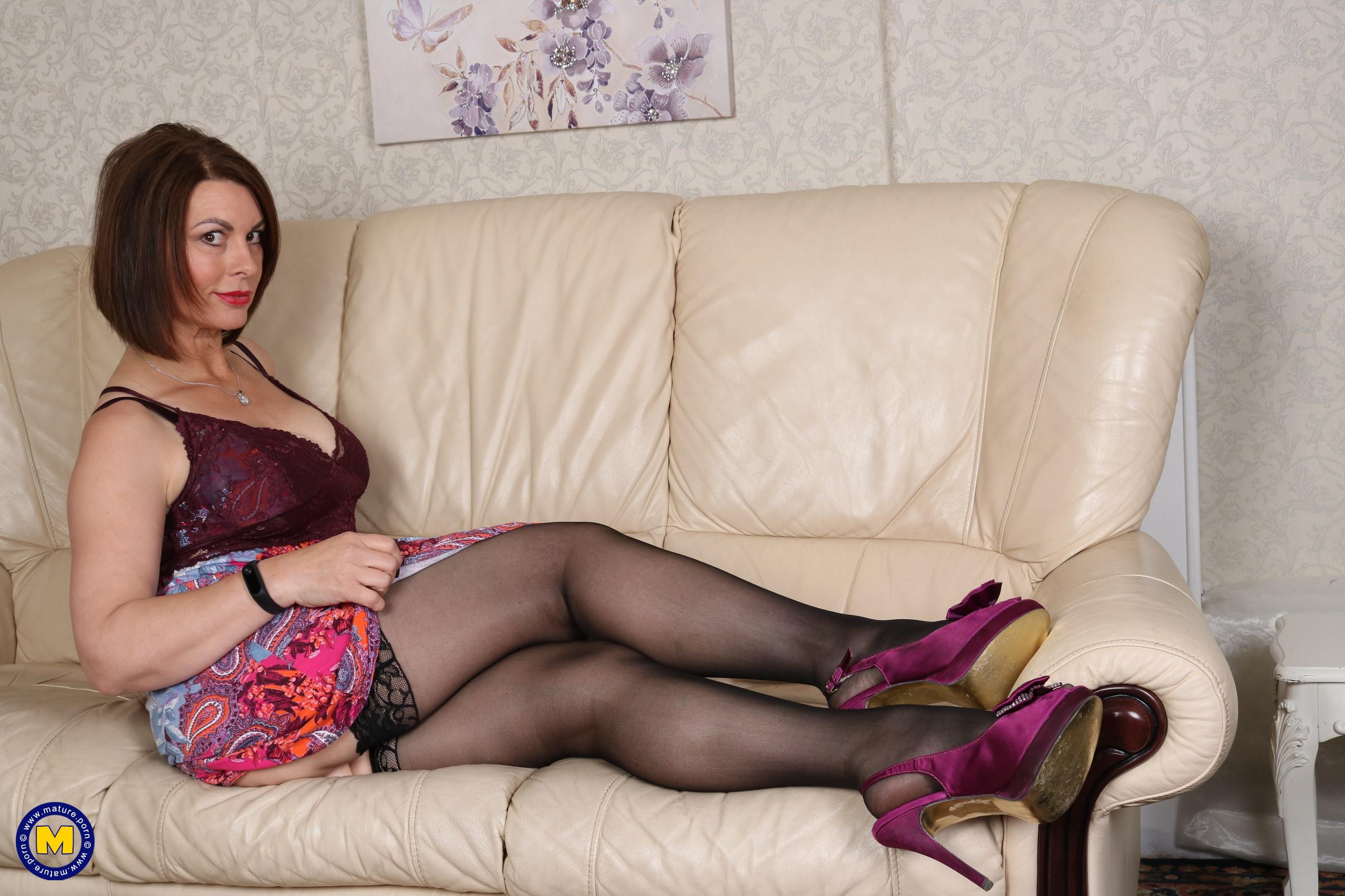 Sexy British MILF Christine O.