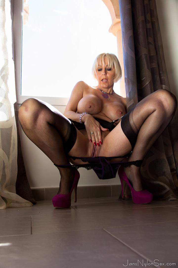 British pantyhose sex