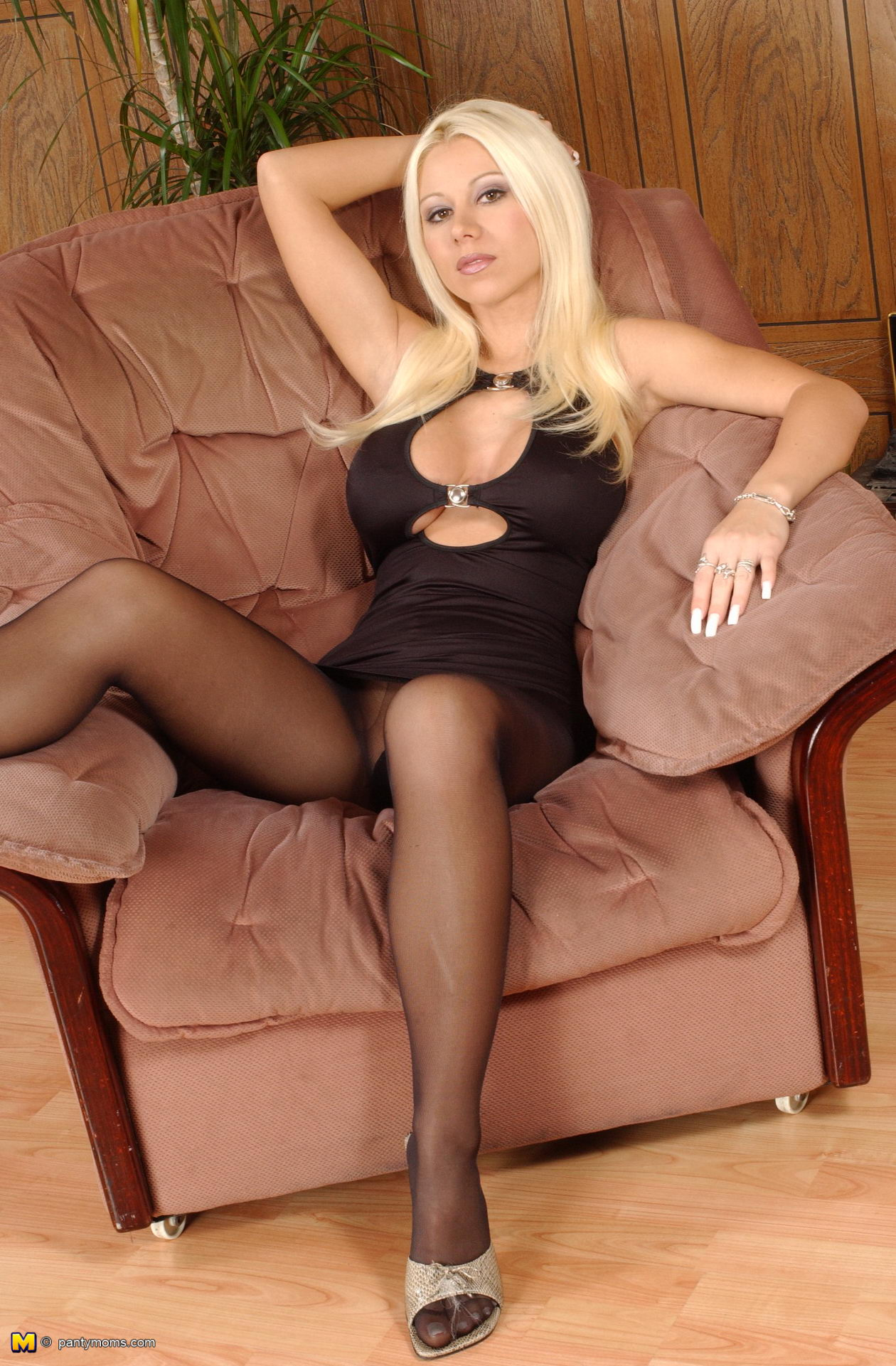 Your sexy blonde milf pantyhose apologise, but