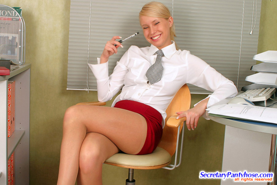 Reserved all pantyhose videos secretaries in — photo 3