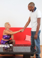 Stockinged milf leaves cards to get it on with a hot ethnic stud