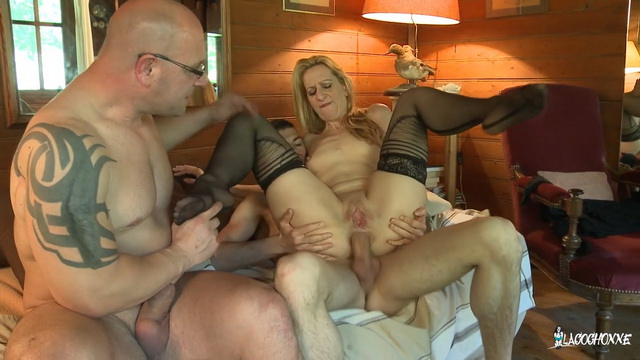 French slut Louise Du Lac\'s first MMF threesome in front of the camera
