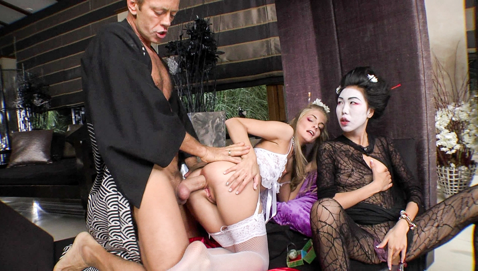 Fishnet clad blonde gets backdoor fucked in front of the geisha